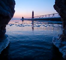 Grand Haven lighthouse with Cool Frame by MamiyaMan