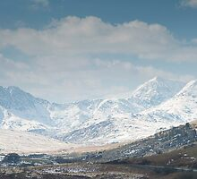 Snowy mountains by sc-images