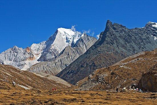 Mountains by jasonksleung