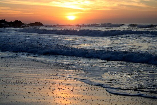 Sunrise at Manaba Beach by Antionette