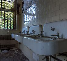 ...sinks of dreams... by urbe53