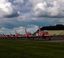 Red Arrows  by katmchattie