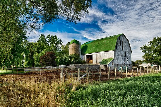 Old Barn by (Tallow) Dave  Van de Laar
