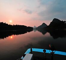 Li River Sunset, Yangshuo, China. by Ralph de Zilva