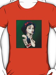 Disney Princesses with attitude - Snow White T-Shirt