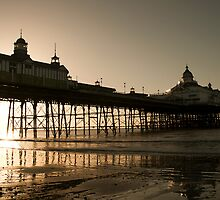 Eastbourne Pier - sunrise  by ACPerona