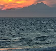 Mt. Redoubt by yellocoyote
