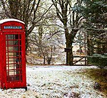 Old Red Phone Box in the Snow by derekbeattie