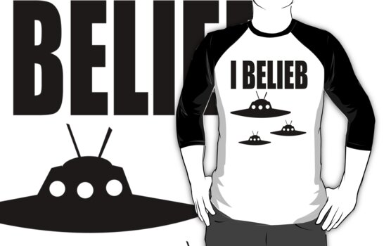 I Belieb In Aliens  by printproxy