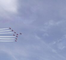 Red Arrows Two by TheShutterbugsG