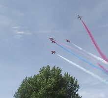 Red Arrows - Nine by TheShutterbugsG