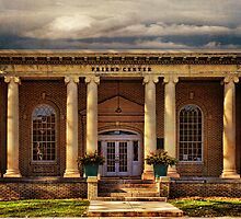 Hunt Memorial Building Ellenville NY by PineSinger
