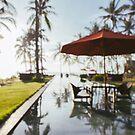 Tropical Resort Defocused by visualspectrum