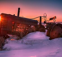 Tractor Sunrise 3031_2013 by Ian McGregor
