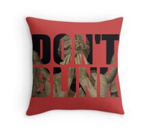 Doctor Who - Don't Blink (Coloured Background) Throw Pillow