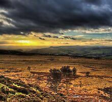 Sunset over the Peak District by pixog