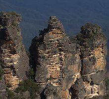Katoomba's Three Sisters Close up by ozscottgeorge
