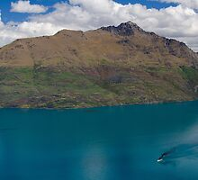 Round Peak Queenstown by Paul Diss