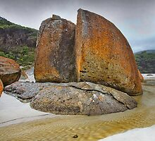 Split Rock - Wilsons Prom by Hans Kawitzki