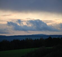 Stormy but sunset sky  by beckywirdnam