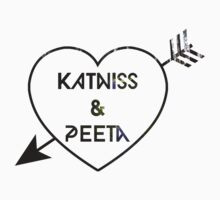 Katniss & Peeta <3 - Forest (personalisation available) T-Shirt