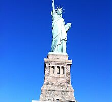 Statue Of Liberty  by leedgreen