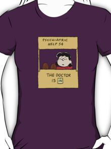 Peanuts - The doctor is in  T-Shirt