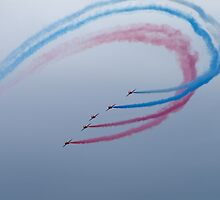 Red Arrows 4 by john southward