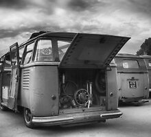 Black & White Bus Backend's by jay007