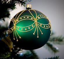 green ornament on the christmas tree by KSKphotography