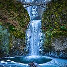 Multnomah lower falls by Carl LaCasse