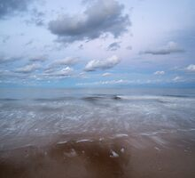 Gorleston beach by jongibbs