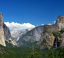 Inspiration Point, Yosemite by sarahlizwills