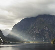 Milford Sound, New Zealand by Daniel Botha