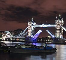Tower bridge by mjamil81