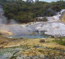 Hot Pool, Orakei Korako by lezvee