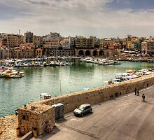 Heraklion Old Port by Tom Gomez