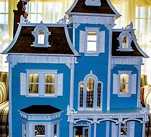 Victorian Dollhouse by darbrewe