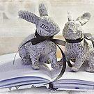 Reading Rabbits by SandraRos