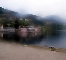 Lake reflections in the mist by sstarlightss
