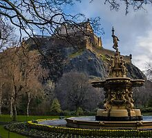 The castle and the fountain by Beautiful Edinburgh