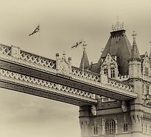 Tower Bridge by Wolfgang Zwicknagl Photography