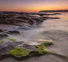 Balmoral Beach Sunrise by yolanda
