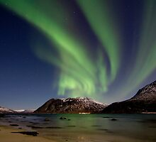 Moonlight Aurora 1 by striberny