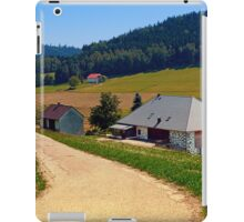Hiking trail, farm house and scenery | landscape photography iPad Case/Skin