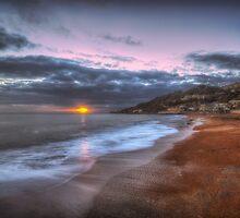 Ventnor Beach sunset by manateevoyager