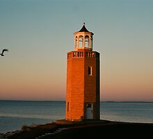 Lighthouse Avery Point, CT by davidsphotos