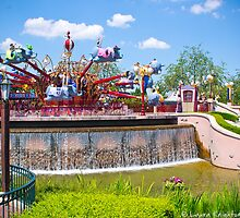 Dumbo Ride - Fantasyland (Disneyland Paris) by ThatDisneyLover