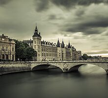 La Conciergerie, Paris by valerieprudon