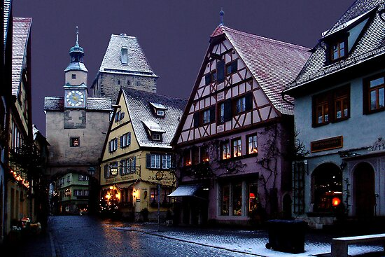 December night in Rothenburg by Arie Koene